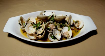 Macau: Clam Dish at Cafe Flor Bela