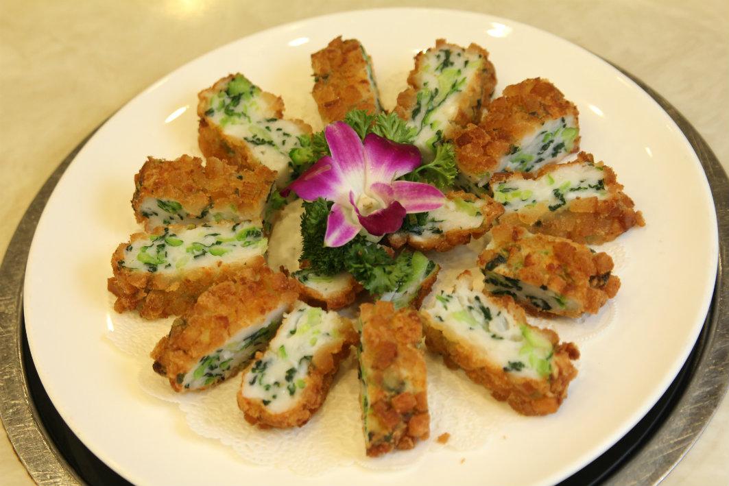 Teng Seng Chuen Yue Macau: Crispy Vegetable Rolls