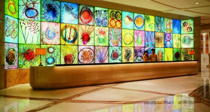 MGM Macau: Fiori di Paradiso Glass Wall at the Hotel Reception