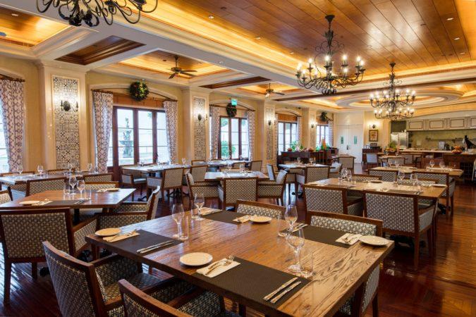 Rocks-Hotel: Vic's-Restaurante