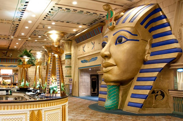 Pharaoh's Casino at Landmark: Interior