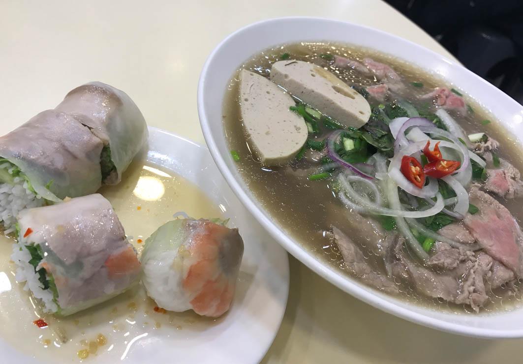 Pho Vietnam Macau: Pho and spring rolls