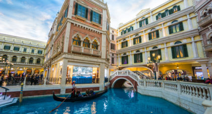 Shoppes at Venetian: River
