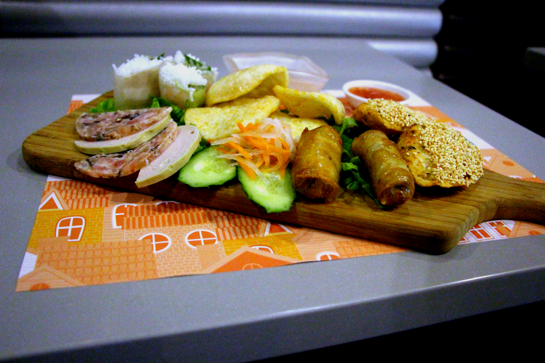 Culinaria Vietnamita Cho Lon Macau: Snack Platter
