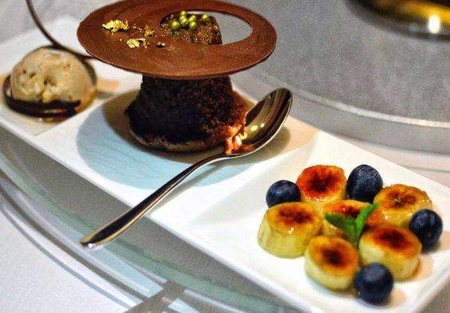 Imperial Court in Macau: Soft Chocolate Cake with Milk Tea Ice Cream and Caramalised Bananas