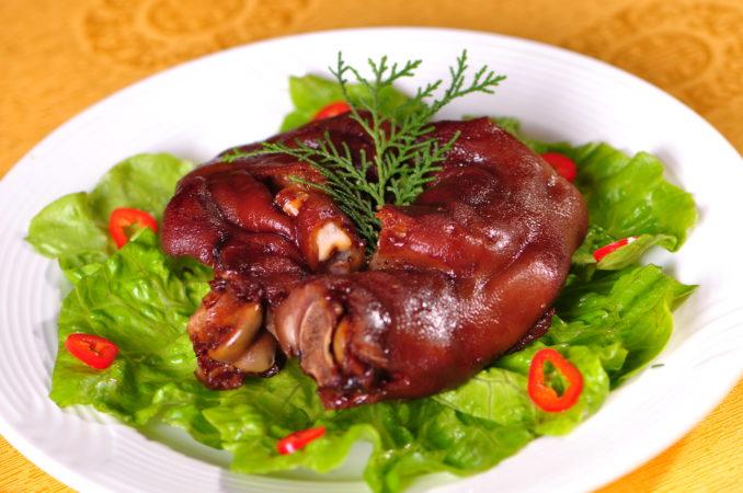 L'Arc Chinese Restaurant: Braised Pork Knuckles